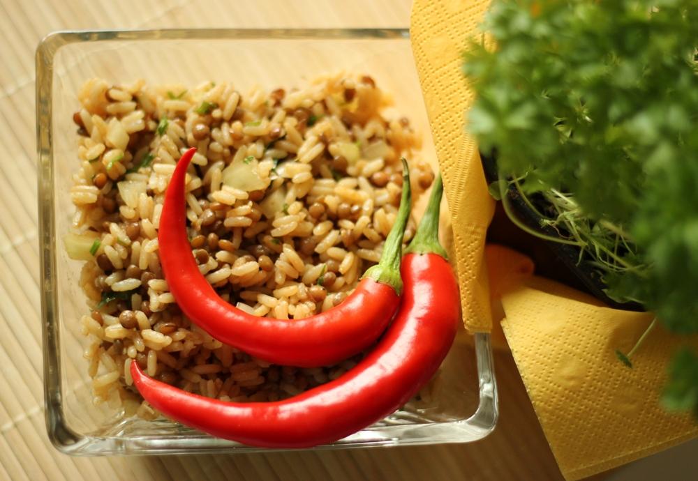 salatka-z-ryzu-i-soczewicy