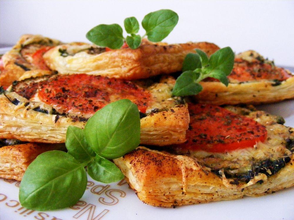 tosty-ze-szpinakiem-na-ciescie-francuskim