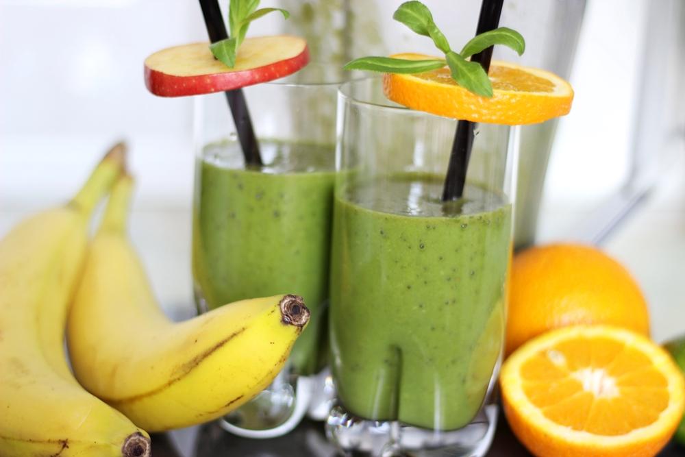 zielone-smoothie-mocy-ze-szpinaku-bananow-i-pomaranczy